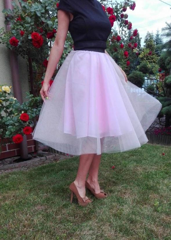 Spódnice Piękna tiulowa spódnica z koła na kole róż