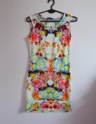 Dopasowana sukienka w kwiaty S M instagirl kwiaty