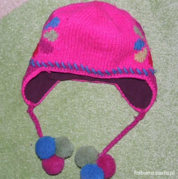 Śliczna ciepła czapka
