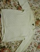 Piękny biały sweter...
