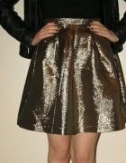 Nowa złota spódnica...