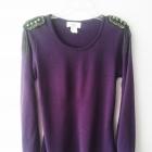 Fioletowy sweterek z pagonami na ramionach
