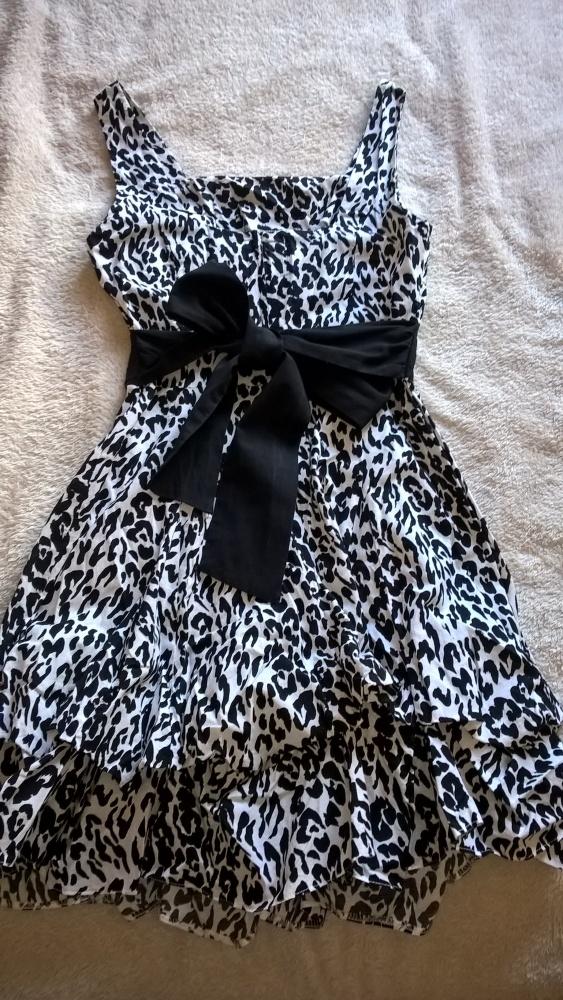 Sukienka Dorothy Perkins...