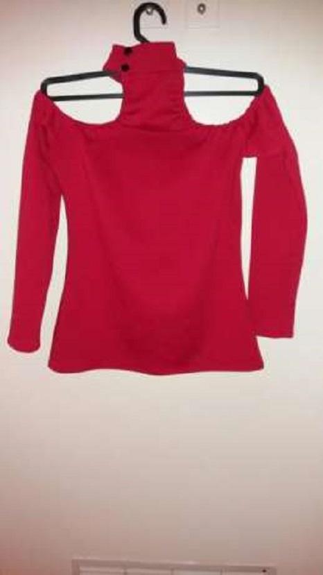Bluzki bluzka z chokerem