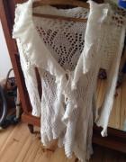 długi ażurowy sweter