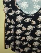 Romantyczna bluzka w różyczki z bufkami