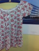 romantyczna bluzka na krótki rękaw w kwiatki florystyczny wzór
