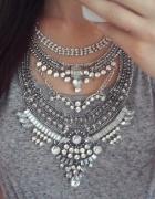 srebrny naszyjnik elegancki