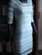 Elegancka koronkowa sukienka...