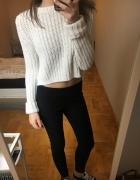 Sweterek biały Pull&Bear S crop top ciepły