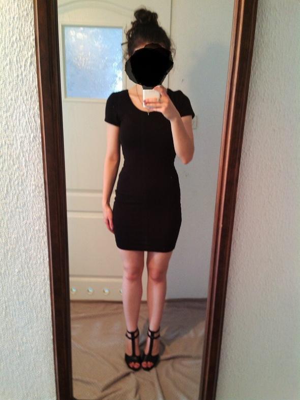 Mała czarna obcisła sukienka AMISU New Yorker 34...