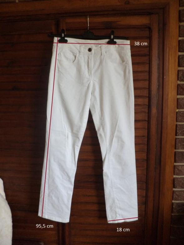 Białe spodnie Camaieu świetny materiał...