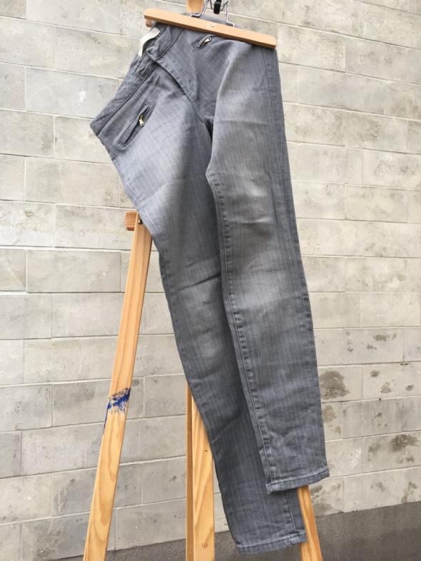 Zara spodnie szare w drobne prążki elastyczne rozm 40 w