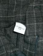 Spodnie wełniane w kratę