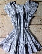 Biała letnia sukienka w kratkę