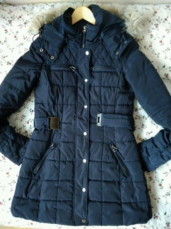 płaszcz Reserved pikowany 34