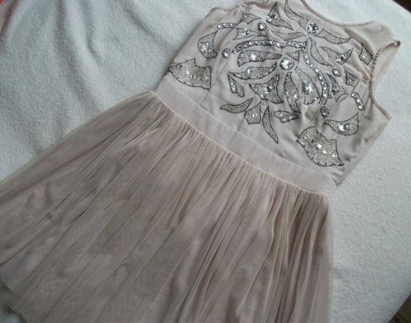 Lipsy London tutu tiulowa sukienka pudrowy róż beż...