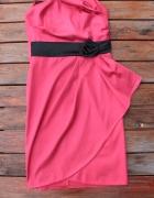 koralowa sukienka z różyczką