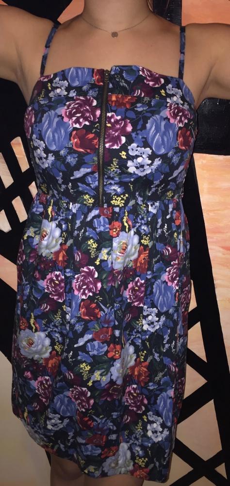 Sukienka w kwiaty S ONLY...
