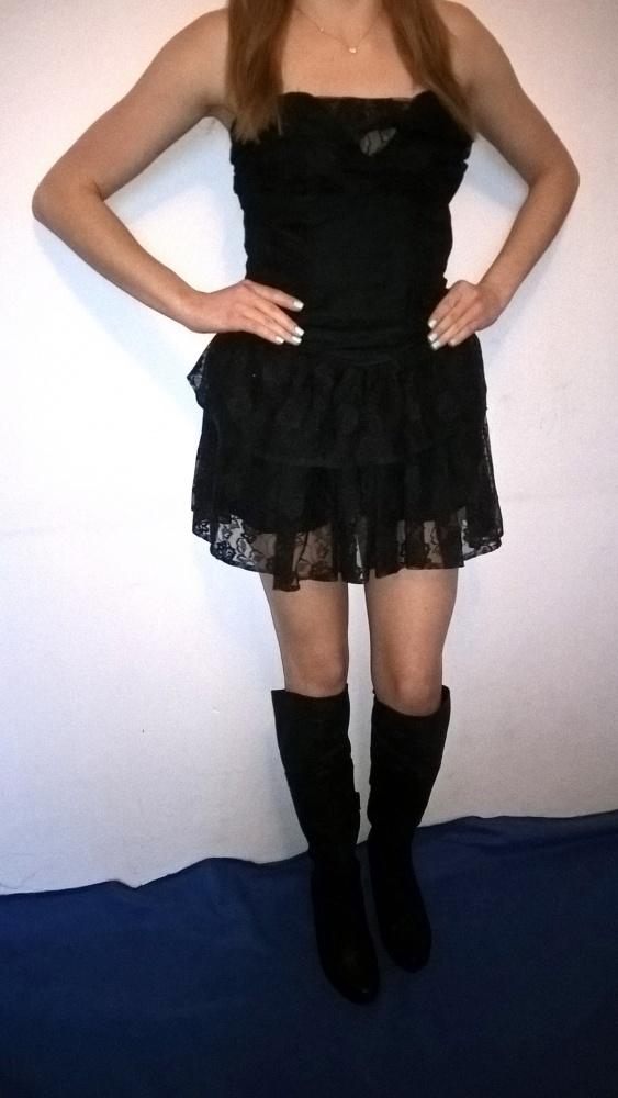Koronkowa sukienka w stylu goth