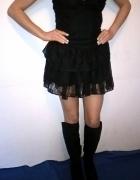 Koronkowa sukienka w stylu goth...