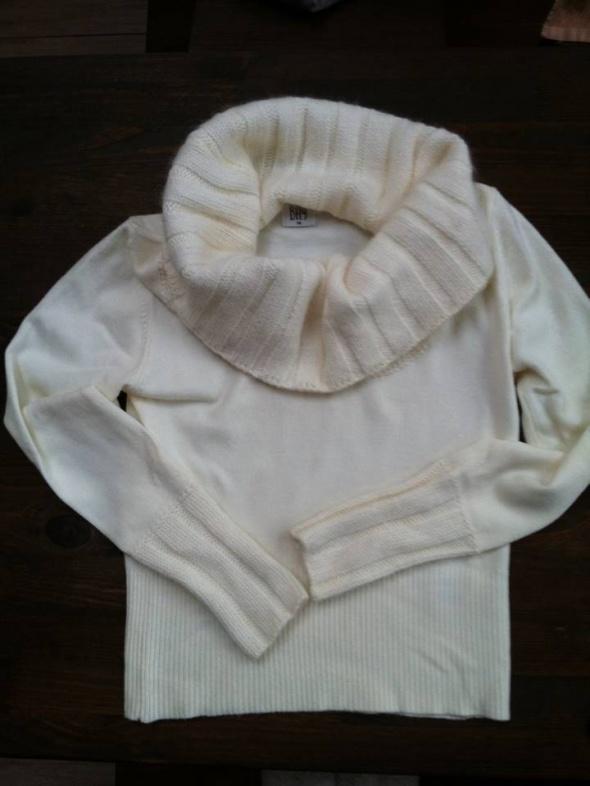 Piekny sweter firmy Bay New Look...