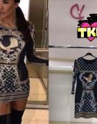 Sukienka wzorzysta w stylu Balmain