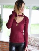 4835 Sweter PERLA z dekoltem bordo