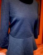 Granatowa bluzka z baskinką