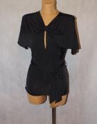 Modna bluzeczka w czarnym kolorze S 36