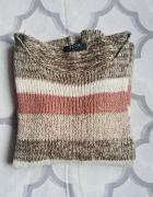 Ciepły sweter w pastelowe pasy
