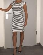 Reserved dopasowana sukienka w paski...
