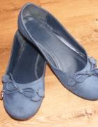 Granatowe balerinki z zamszu