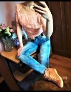 cudne jeansy z dziurami i cyrkoniami