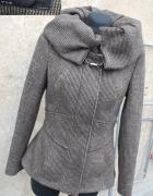 ZARA z wełną taliowana kurtka M S