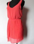 Malinowaplisowana sukienka gołe plecy r SM