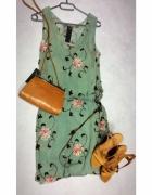 Sukienka vintage z dodatkami