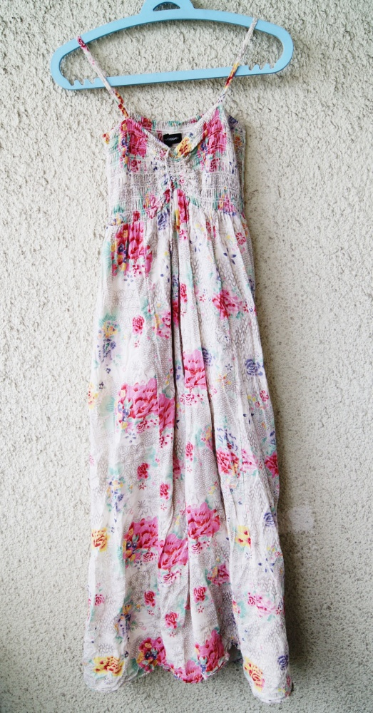 kappahl długa rozkloszowana sukienka w kwiaty...