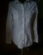 biała koszula z brązowymi obszyciami M...