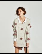 ZARA sweter z pomponami