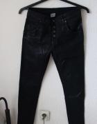 czarne spodnie woskowane s