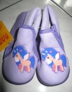 MUST HAVE fioletowe obuwie domowe roz 23