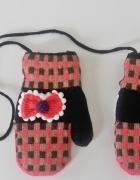 Rękawiczki dla dziewczynki na sznureczku...