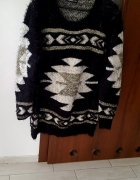 mega puchowy sweter aztec