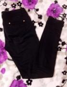 Czarne materiałowe spodnie złote zdobienia 38 Fash