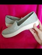 Szare wkładane buty slip on