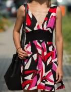 Sukienka w geometryczne kształty 3638...