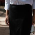 Czarna ołówkowa spódnica 38