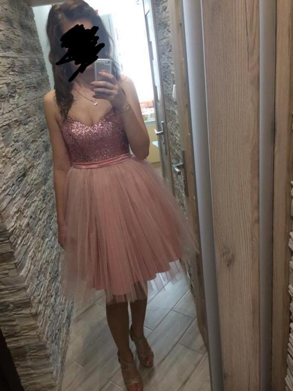 Sukienka balowa pudrowy róż tiulowa