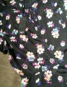 now bluzka w kwiatki z baskinką...